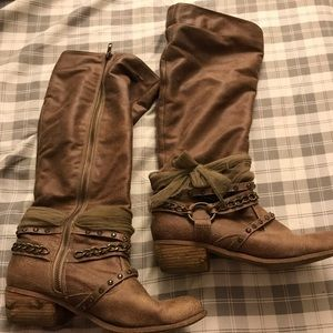 Women's size 9 tall brown boots